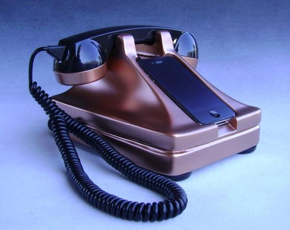 iRetrofone – The Retro Iphone Handset & Dock