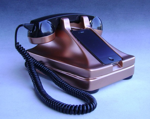 Iretrofone The Retro Iphone Handset Amp Dock Dailymilk