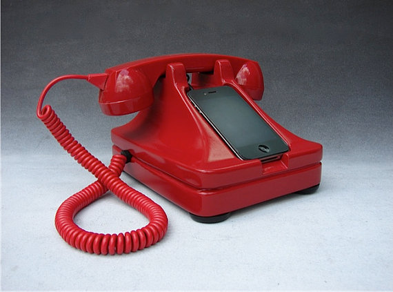 Iretrofone The Retro Iphone Handset Amp Dock Dailymilk
