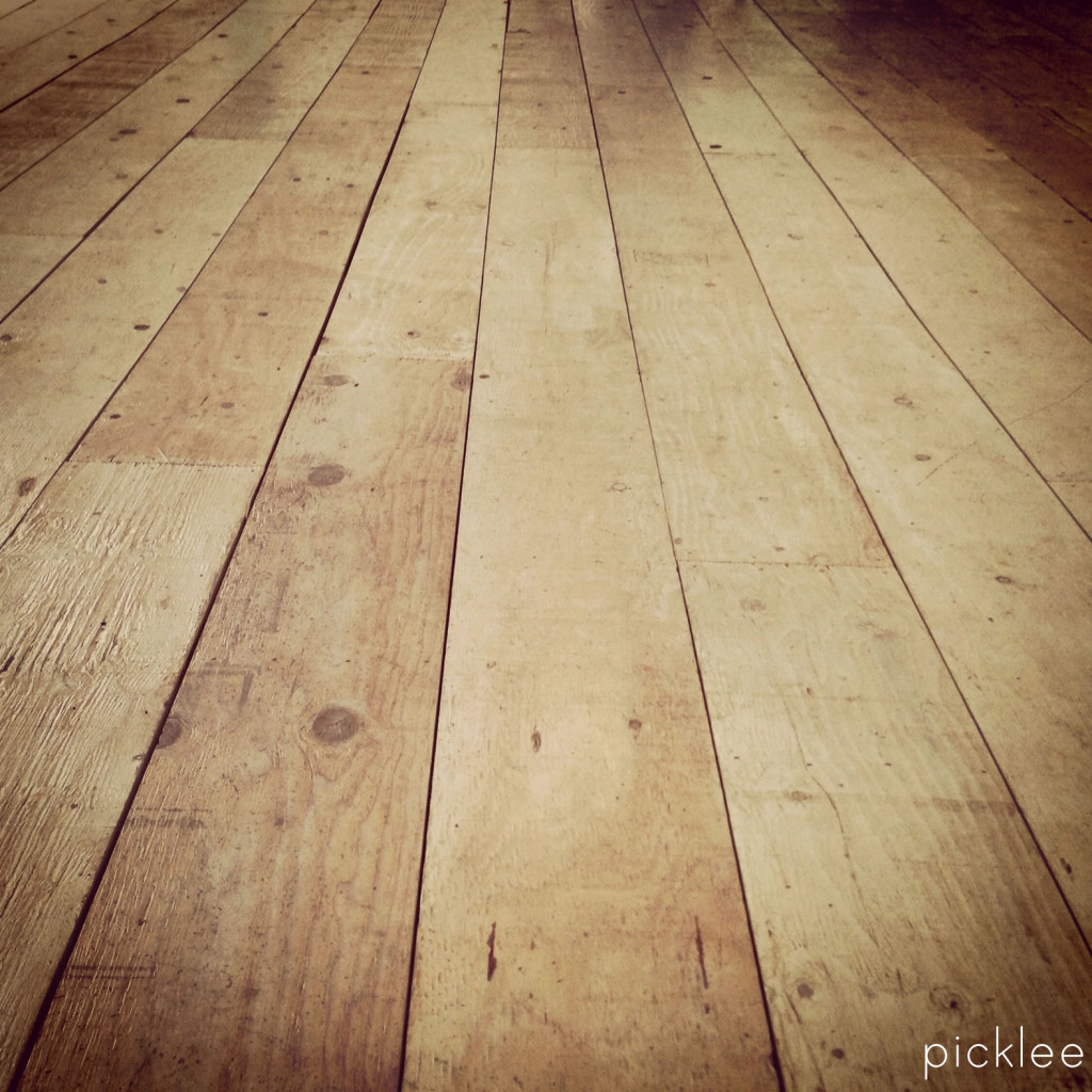 plywood_-floor_wide-plank_farmhouse_floor1