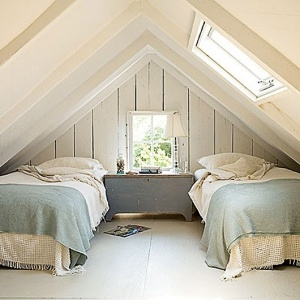 attic-beach-decor