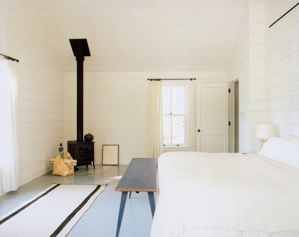 beach-bedroom-simple-white