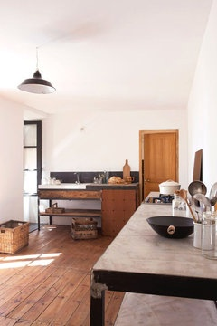 clean-rustic-kitchen