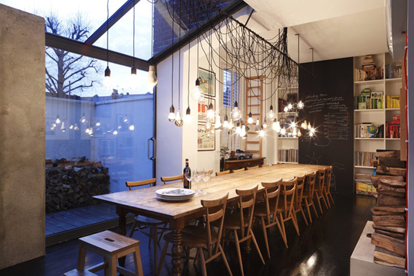 awesome-farm-table-with-hanging-bulbs