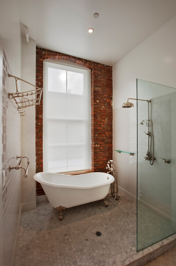 clawfoot-tub-with-shower