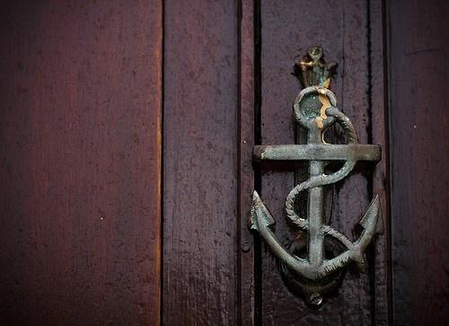 anitique-anchor-door-knocker