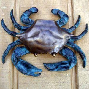 blue-crab-door-knocker-colorfull