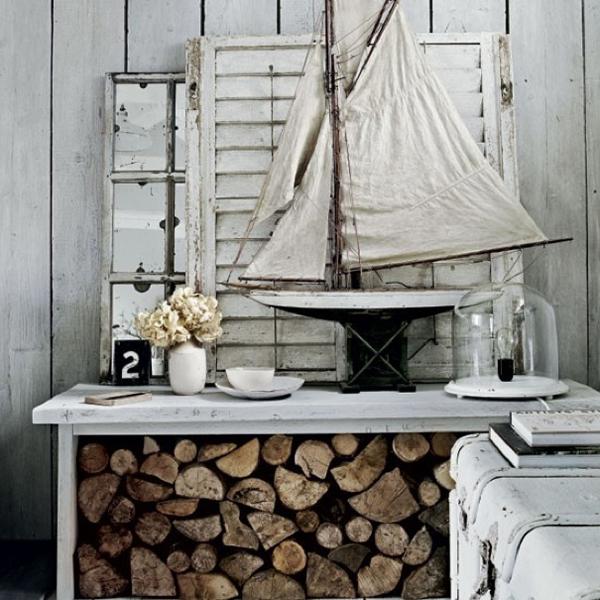 sailboat-wood-rack-globe-light